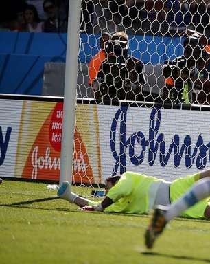 Veja por todos os ângulos gol que manteve Argentina viva