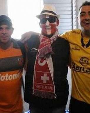 Vetado, barra brava argentino vê jogo com disfarce de suíço