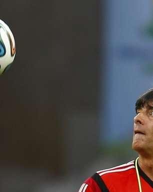 Sem rodagem, Seleção pega pela 1ª vez rival expert em Copas