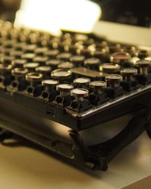Teclado de máquina de escrever leva antiguidade a tablets