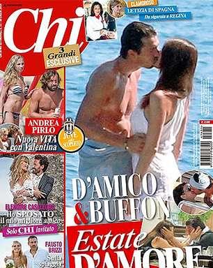 Buffon é flagrado aos beijos com ex-musa da RAI