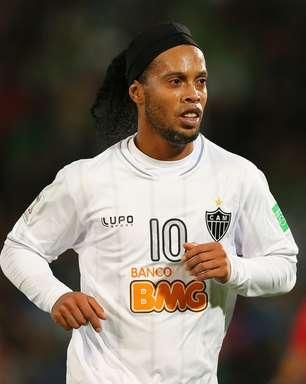 Jornal: Ronaldinho pode jogar no Grêmio antes de ida aos EUA