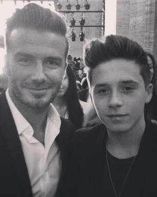 Beckham e filho usam mesmo topete em desfile de Victoria