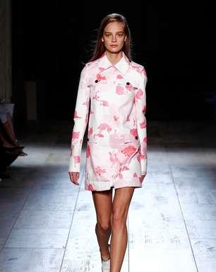 Victoria Beckham lança coleção de sapatos em NY