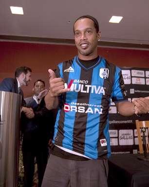Ronaldinho é apresentado no Querétaro e fala em ser campeão