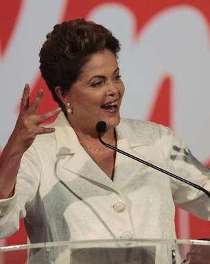 """Dilma critica Aécio e fala em """"dívida com o Nordeste"""""""