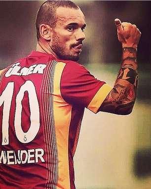 De saída do Galatasaray, Sneijder é desejado por ingleses