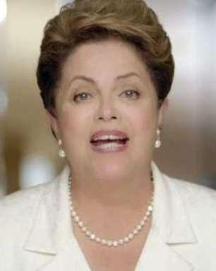 """Na TV, Dilma diz que capa da Veja """"envergonha a imprensa"""""""