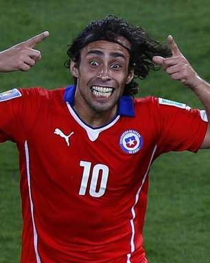 Sampaoli: deveria ter usado Valdivia contra Brasil na Copa