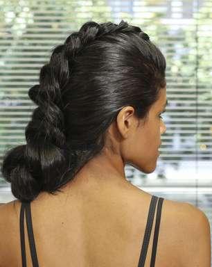 Moicano de trança é opção para cabelo cheio