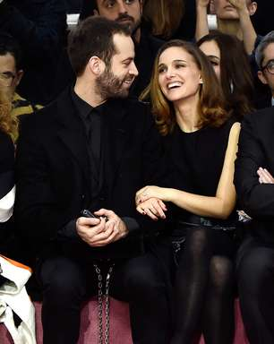 Com Natalie Portman na plateia, Dior mostra coleção em Paris