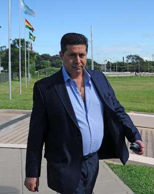 Presidente do Boca deixa cargo na AFA e dispara críticas