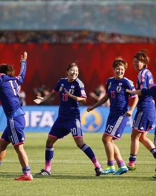 Japão bate Inglaterra no fim e reedita final contra EUA