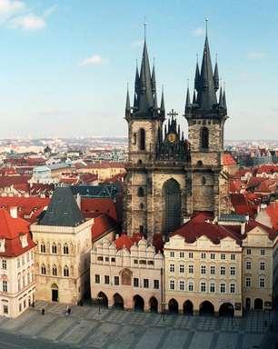 Veja como aproveitar uma escala na bela e barata Praga