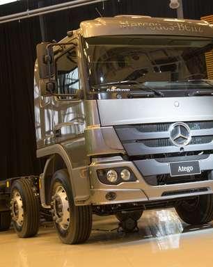 Mercedes-Benz lança caminhão 8x2 na linha de semipesado