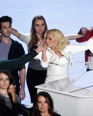 """Após apresentação de Lady Gaga, atriz revela """"anos de abuso"""""""