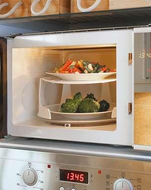 Verdade ou mito: Os alimentos perdem nutrientes ao serem aquecidos no microondas?