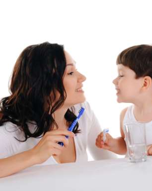 Você sabia que crianças também podem ter mau hálito?