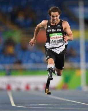 Com prótese financiada por torcedores, neozelandês ganha ouro e bate recorde mundial na Rio 2016