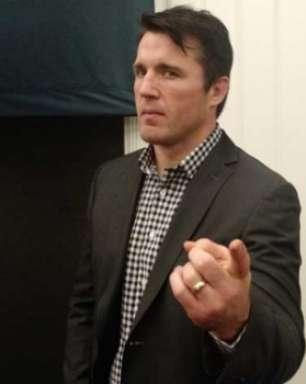 "Sonnen questiona atitudes de Ronda Rousey: ""não é lutadora"""
