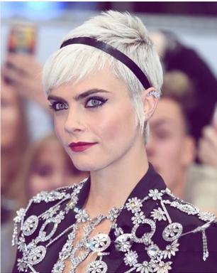 Os cabelos bafônicos da Cara Delevingne