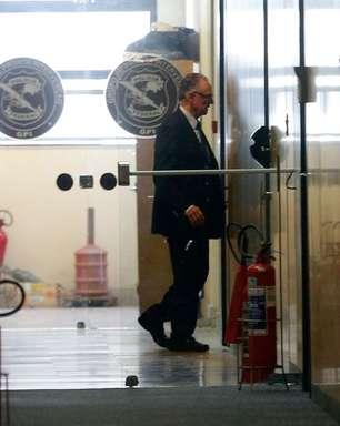 Nuzman deixa sede da Polícia Federal sem prestar depoimento