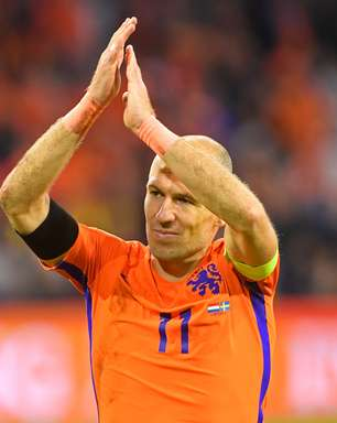 Robben anuncia aposentadoria da Holanda após eliminação