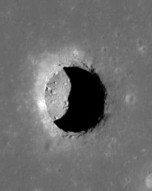 Japão descobre caverna gigante na Lua