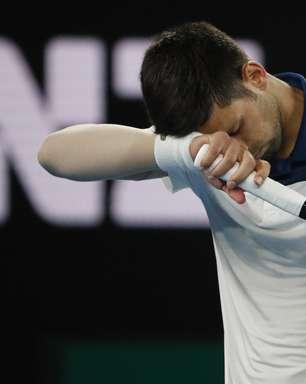 Federer se impõe e avança; Djokovic é surpreendido e perde