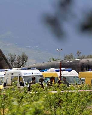 Queda de avião militar na Argélia deixa mais de 250 mortos