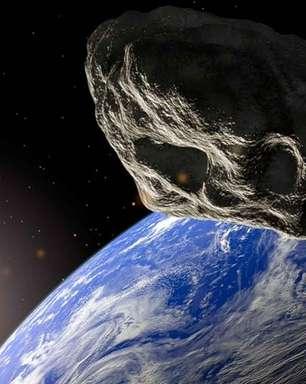 Asteroide do porte de campo de futebol passa perto da Terra