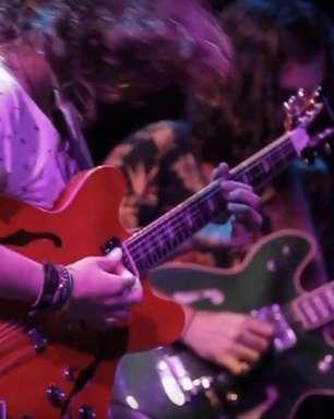 Maglore: Teago Oliveira ensina e comenta músicas da banda