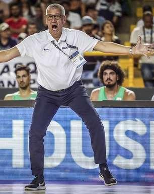 Presidente da CBB paga do bolso salário do técnico do Brasil