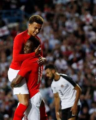 Sob olhares de Tite, Inglaterra vence Costa Rica em amistoso