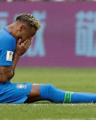 Brasil joga mal, mas faz 2 nos acréscimos e vence Costa Rica