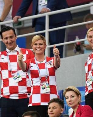Presidente da Croácia faz sucesso misturada a torcedores na Copa e pagando o próprio ingresso
