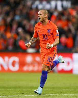 Sneijder se despede da seleção da Holanda contra o Peru