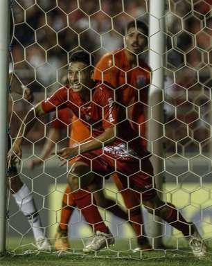 Corinthians fica no empate com o Ituano, mas avança em 1º