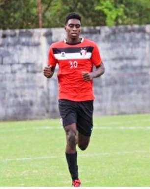 Aprendendo com o profissional, Bruno mira estreia do Joinville no Catarinense Sub-20