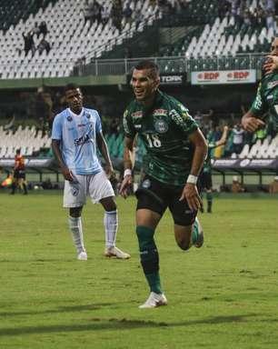 Coritiba vira para cima do Londrina e decide com o Athletico