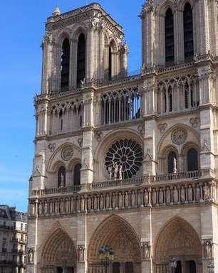 Notre-Dame terá catedral de madeira durante reconstrução