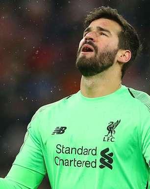 Alisson brilha como protagonista no título do Liverpool um ano após trauma