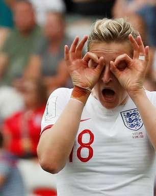 Inglaterra confirma favoritismo e bate Escócia em estreia