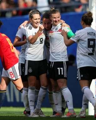 Alemanha é mais eficiente e vence Espanha na Copa
