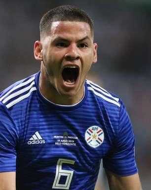 Com gol de Messi, Argentina arranca empate contra Paraguai
