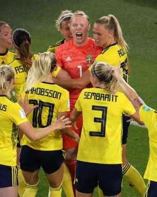 Goleira pega pênalti, Suécia vence Canadá e se classifica