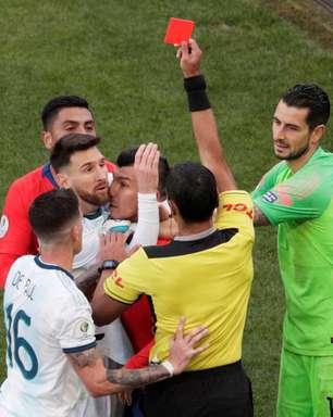 Arbitragem rouba a cena de forma negativa na Copa América