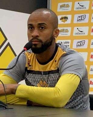 Wesley destaca 'vitória na raça' do Criciúma pela Série B