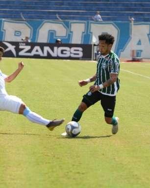 Londrina sai atrás, tem jogador expulso e vira sobre o Coritiba