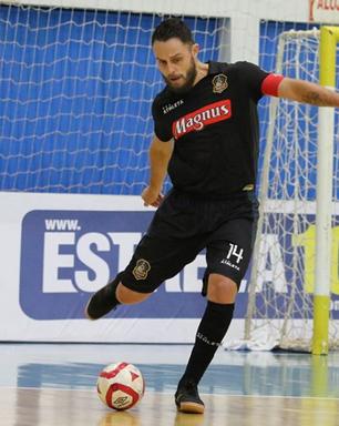 Magnus marca faltando oito segundos e empata com Copagril pelo 1º jogo das oitavas de final